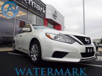 2017 Nissan Altima 2.5 S CVT with Xtronic, Watermark's