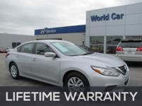 FUEL EFFICIENT 39 MPG Hwy/27 MPG City! CARFAX 1-Owner,