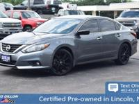 Come see this 2017 Nissan Altima 2.5 SR before it's too