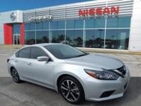 Altima 2.5 SR CVT Automatic, Hands-Free, Bluetooth,