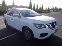 CarFax 1-Owner, This 2017 Nissan Pathfinder SV will