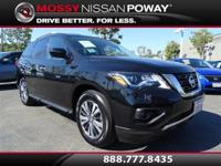Back-Up Camera and Bluetooth. Pathfinder SV, Nissan