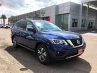 2017 Nissan Pathfinder SL 27/20 Highway/City MPG