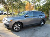 This 2017 Nissan Pathfinder 4dr FWD SL features a 3.5L