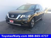 Options:  2017 Nissan Pathfinder Sv|Red|Push Button