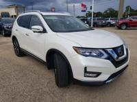 Pearl White 2017 Nissan Rogue SL FWD CVT with Xtronic