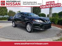 Certified. Clean CARFAX. CARFAX One-Owner. 2017 Nissan