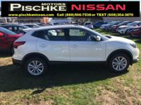 2017 Nissan Rogue Sport SV 2.0L 4-Cylinder Pearl White