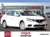 EPA 37 MPG Hwy/29 MPG City! CARFAX 1-Owner, Nissan