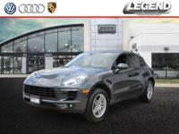 2017 Porsche Macan Gy 2.0L I4 CARFAX One-Owner. Clean