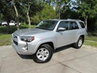 This 2017 Toyota 4Runner 4dr SR5 2WD features a 4.0L V6