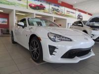 2017 Toyota 86 2D Coupe Halo 32/24 Highway/City MPGWe