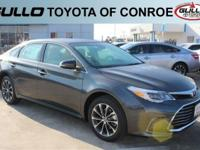 Gray 2017 Toyota Avalon XLE 30/21 Highway/City