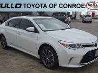 White 2017 Toyota Avalon XLE Premium 30/21 Highway/City