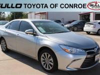 Silver 2017 Toyota Camry Hybrid XLE 37/40 Highway/City