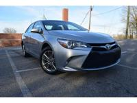 2017 toyota camry se*one owner*clean carfax.*under