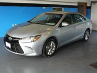 Silver 2017 Toyota Camry SE FWD 6-Speed Automatic 2.5L
