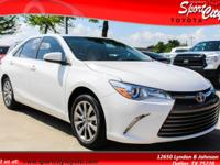 2017 Toyota Camry XLE Almond Seat Trim Leather. 3324