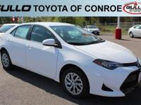 White 2017 Toyota Corolla LE 36/28 Highway/City