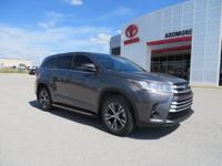 2017 Toyota Highlander LE 4D Sport Utility Gray 27/20