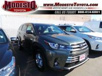 2017 Toyota Highlander Limited 26/20 Highway/City