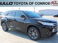 Black 2017 Toyota Highlander XLE 27/21 Highway/City MPG