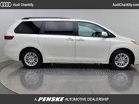2017 TOYOTA SIENNA XLE 1 OWNER CARFAX LOCAL TRADE