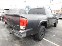 **ONE OWNER**SR5**CARFAX BUYBACK GURANTEE** 2017 Toyota