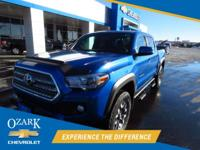 Back-up Camera, TRD OFFROAD, 4D Double Cab, V6, 6-Speed