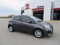2017 Toyota Yaris LE 5D Hatchback Magnetic Gray 35/30