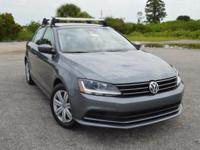 This locally owned, low mileage Volkswagen Jetta S