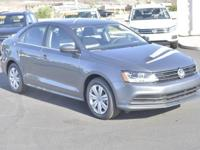 EPA 38 MPG Hwy/28 MPG City! PLATINUM GRAY METALLIC