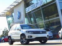 2017 Volkswagen Tiguan SEL 9 Speakers, Auto-dimming