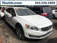 2017 Volvo V60 Cross Country T5 Ice White Drive-E 2.0L