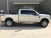ONE OWNER, CLEAN CARFAX, 4WD, NAVIGATION, SUNROOF,