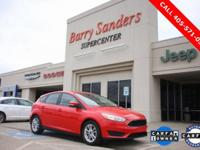 2017 Ford Focus SE HATCHBACK 4D Hatchback FWD Red