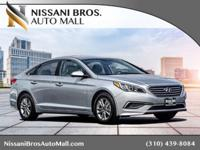 HELLO CERTIFIED Pre- Owned Vehicle! This 2017 Hyundai