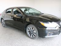 2017 Nissan Altima 4D Sedan Super Black 2.5L 4-Cylinder