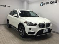 XDrive28i trim, Alpine White exterior and Black Dakota