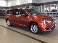 2018 Chrysler Pacifica Copper Touring Plus FWD 9-Speed