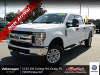 This Ford Super Duty F-250 SRW boasts a Regular