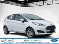 Delivers 35 Highway MPG and 27 City MPG! This Ford