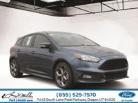 Boasts 30 Highway MPG and 22 City MPG! This Ford Focus