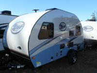 Sup[er cute lightweight travel trailer that sleeps 4 -