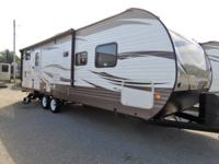 Super nice new 2018 forest river wildwood 27DBK travel