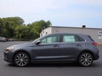 KEY FEATURES AND OPTIONS This Hyundai Elantra GT comes