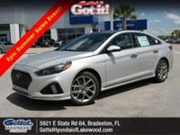Boasts 32 Highway MPG and 23 City MPG! This Hyundai
