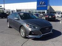2018 Hyundai Sonata SE Gray Cloth. 36/25 Highway/City