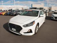 2018 Hyundai Sonata SE 36/25 Highway/City MPG ***