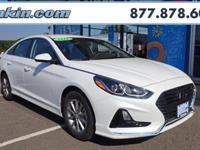 2018 Hyundai Sonata SE Quartz White Pearl Gray Cloth.